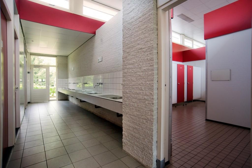 Sanitair priv sanitair witven witven for Moderne toiletartikelen